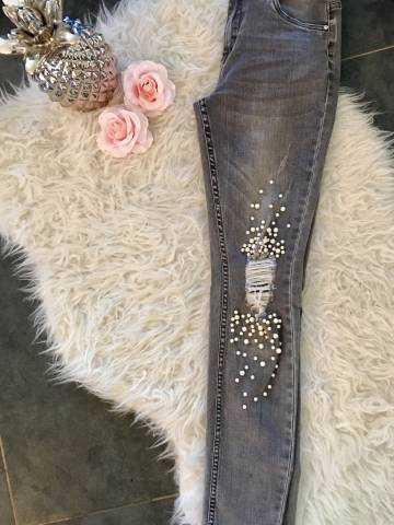 """Mon jeans gris clair """"genou déchiré et perles blanches"""""""