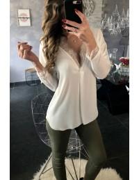 """Ma blouse blanche """" joli décolleté dentelle"""""""