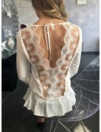 "Ma blouse blanche ""superbe dos dentelle"""