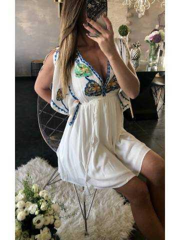 Ma jolie robe blanche