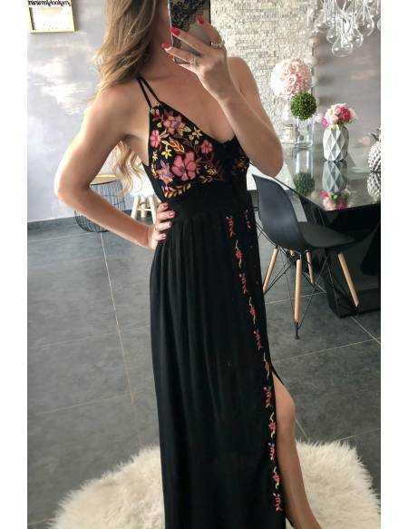 """Ma superbe robe longue noire """"boutonnée et brodée"""" 2"""