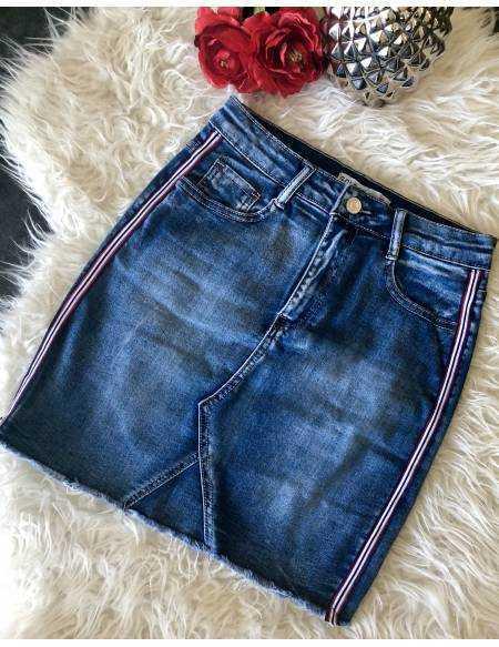 Ma jolie jupe en jeans destroy