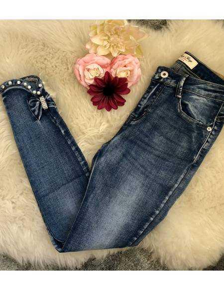 Mon new jeans foncé, strass et jolis noeuds