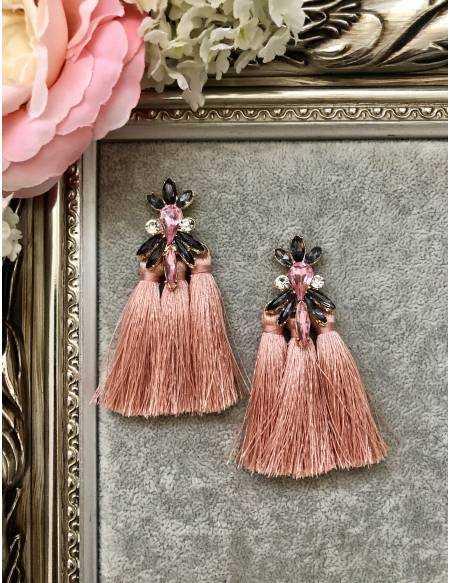 """Mes jolies boucles d'oreilles rose """"strass et pompons"""""""