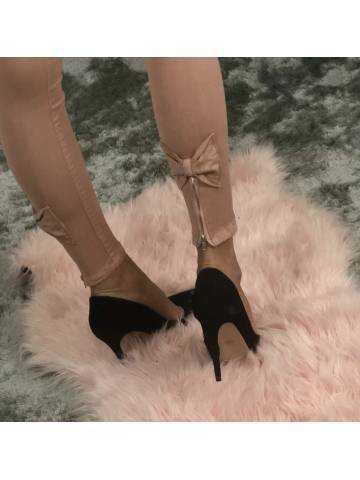 Pantalon rose pâle taille moyenne et jolis noeuds