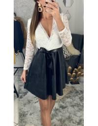 Ma robe dentelle blanche et cuir noir
