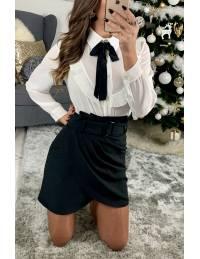 """Ma jolie jupe noire plissée et sa ceinture"""""""