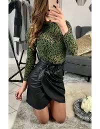 """Ma jolie jupe noire style cuir plissée et sa ceinture"""""""
