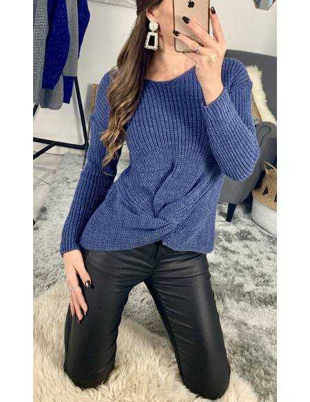 """Mon pull en maille bleu jeans """"noué"""""""