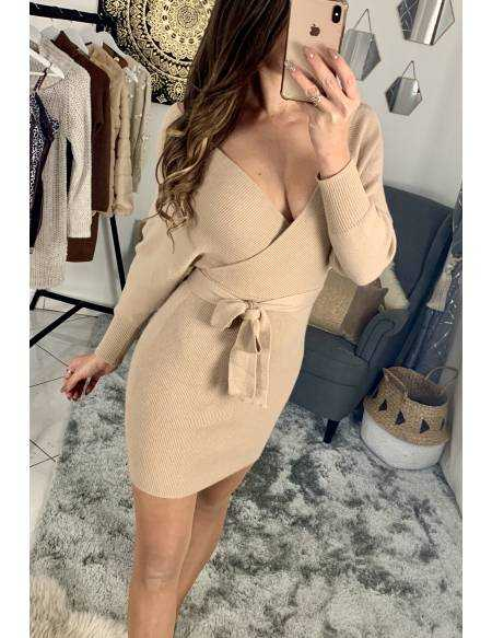 "Ma superbe robe beige nude ""cache coeur et manches longues"""