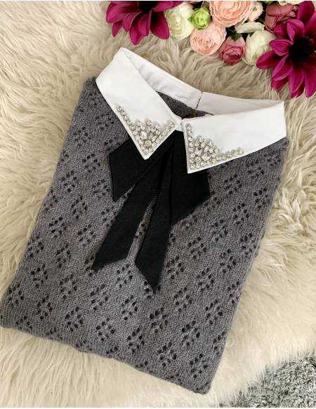 mon pull gris maille ajourée et col bijoux