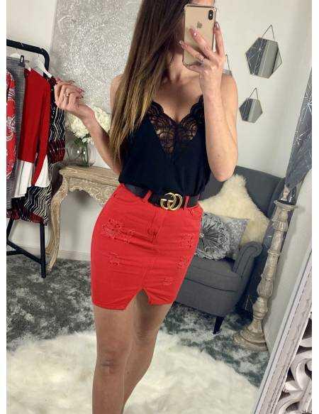Ma jolie jupe en jeans rouge destroy