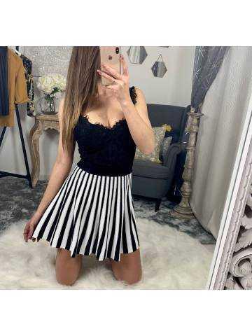 Ma jolie jupe black and white