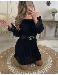 """Ma jolie robe noire """"plissée et manches en dentelle"""""""