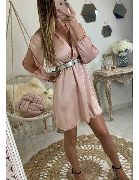 """Ma jolie robe pink satinée """"manches ajourées"""""""