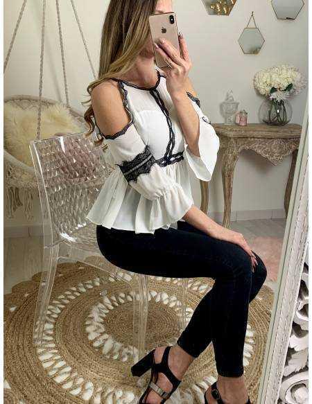 """Ma jolie blouse blanche """"épaules ajourées et dentelle noire"""""""