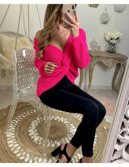 pull en maille rose flashy