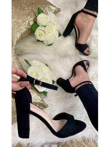 Mes jolies sandales à talon style daim black 2