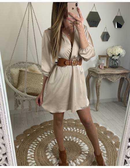 """Ma jolie robe beige satinée """"manches ajourées"""""""