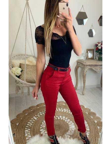 Mon pantalon rouge et petit motif