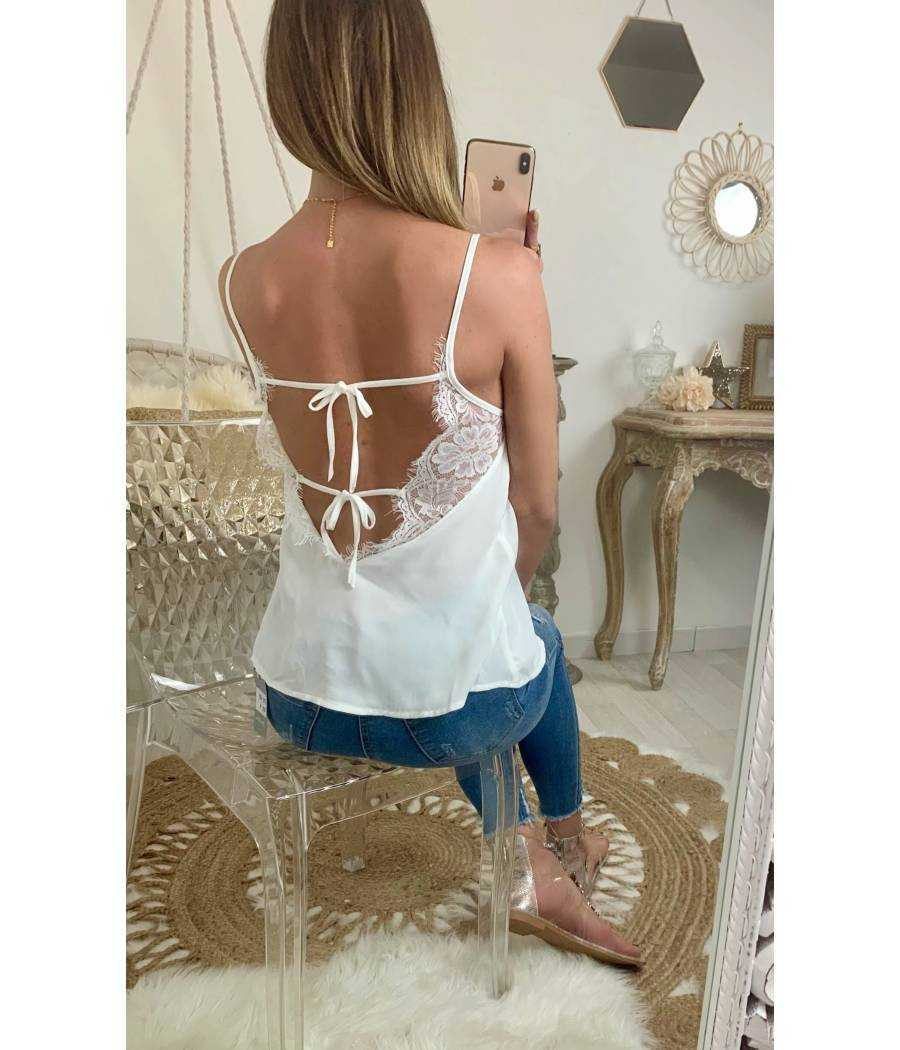 """Mon petit top blanc """"fins boutons et broderie Anglaise"""""""