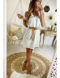 "Ma jolie robe blanche broderies ""col volant"""
