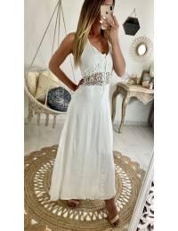 Ma jolie robe longue blanche et taille brodée