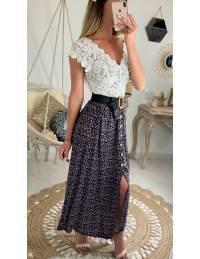 Ma jolie jupe mi-longue marine et fleurie