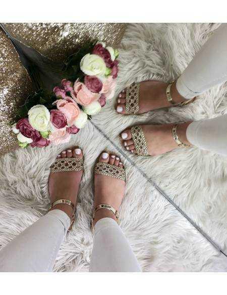Mes petites sandales plates