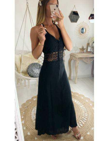 Ma jolie robe longue noire et taille brodée
