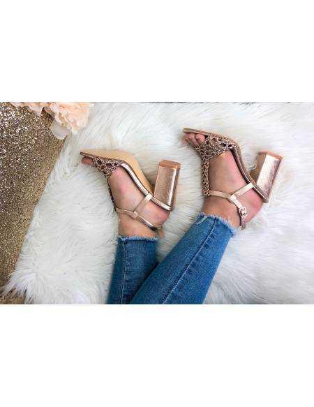Mes petites sandales à talons rose gold
