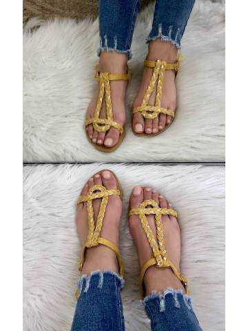 Mes petites sandales tressées moutarde et gold