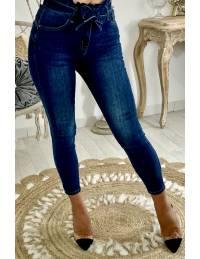 """Mon jeans foncé """"taille haute et ceinture"""""""