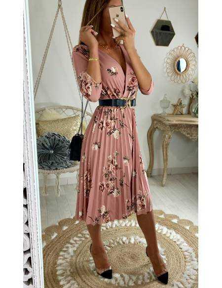 Ma jolie robe rose plissée et imprimée