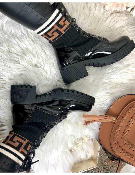 Mes bottes à lacet