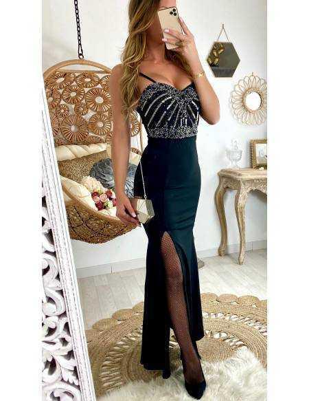 Ma robe longue noire joli buste