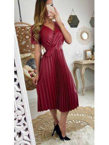 """Ma superbe robe plissée bordeaux """"style cuir"""""""