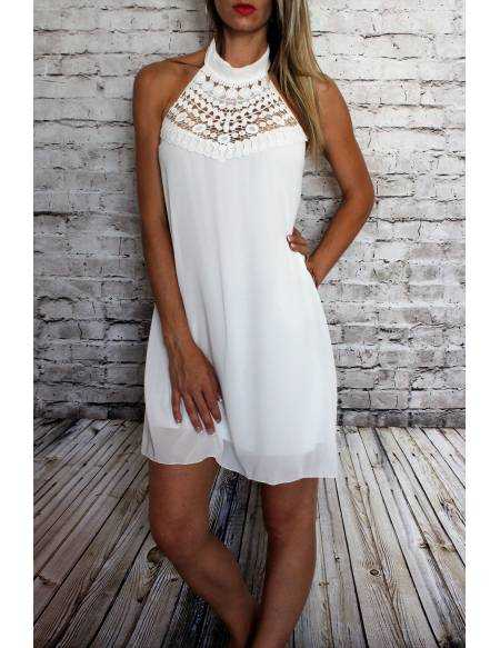 """Ma petite robe  blanche """"dos nu et broderies"""""""