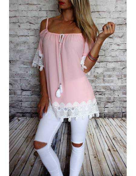 """Ma blouse rose pâle """"manches dentelles et épaules ajourées"""""""